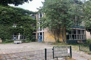 Voorlopig géén sloop oude school
